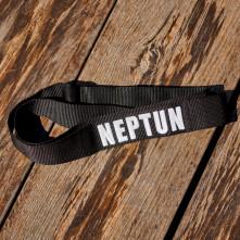 Opasok Neptun, Black